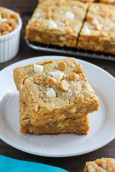 Thick & Chewy White Chocolate Peanut Butter Blondies - November 30 2018 at - and Inspiration - Yummy Meals - Recipes Ideas - And Kitchen Motivation - Delicious Comfort Foods - Fans Of Food Addiction - Decadent Lifestyle Choices Peanut Butter Blondies Recipe, Peanut Butter Dessert Recipes, Best Peanut Butter, Chocolate Peanut Butter, Peanut Recipes, Brownie Recipes, Easy Dessert Bars, Easy Desserts, Delicious Desserts