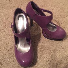 Forever 21 purple patent Mary Jane heels 10 Forever 21 purple patent platform Mary Jane heels. Size 10. Couple scuff marks at toes otherwise in excellent condition. Forever 21 Shoes Heels