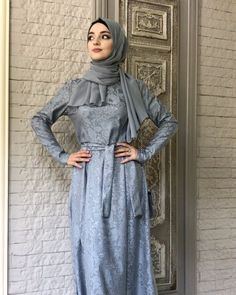 Abaya Fashion, Muslim Fashion, Celebrity Fashion Outfits, Celebrity Style, Hijab Niqab, Makeup Looks, High Neck Dress, Abaya Style, Kebaya