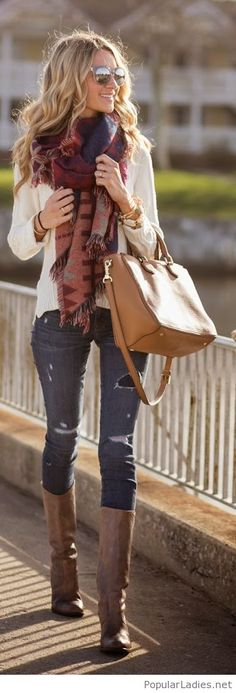 jeans-fall-sweater-brown-boots-and-bag