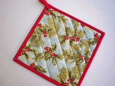 Holiday Hot Pad Holly leaves and Berries Pot Holder Handmade Quilted Trivet Secret Santa Stocking Stuffer - pinned by pin4etsy.com