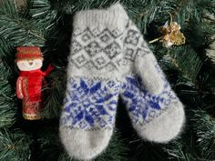 Wool hand knit mittens with ornament by WarmWardrobe1 on Etsy, $20.00
