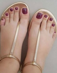 If you want to enhance the beauty of your feet then here you are on the right way. Just tap here and see the Most Lovely Ideas & Designs of Red Nail for the year of You can try it any time in these days and go rock with this perfect look. Pretty Toe Nails, Cute Toe Nails, Cute Toes, Pretty Toes, Shiny Nails, Green Sandals, Shoes Flats Sandals, Bare Foot Sandals, Yellow Heels