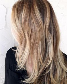 Trendy Dark Blonde Hair Colors & Ideas Rose gold highlights by Gina DevineRose gold highlights by Gina Devine Blond Rose, Dark Blonde Hair Color, Brown Blonde Hair, Blonde Honey, Blonde Lob Hair, Gray Hair, Synthetic Hair Extensions, Clip In Hair Extensions, Honey Hair