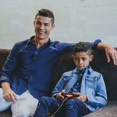 with his son Cristiano Ronaldo 7, Cristiano Ronaldo Haircut, Cr7 Messi, Messi Vs Ronaldo, Lionel Messi, Ballon D'or, Joueurs Real Madrid, Champions League, Futbol