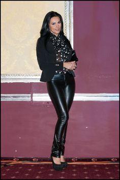 cantareata Lavinia Parva all black