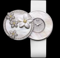 Piaget-	Limelight Garden Party -Modèle:	Limelight Montre à Secret- 	Or Blanc - Nacre Blanche - Diamants -	(2012-)