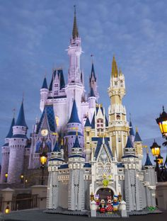 You'll soon be able to build a LEGO version of Walt Disney World's Cinderella Castle ~ Available 8/1/16.