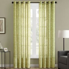 This Madison Park Pacey curtain panel features an irregular grid for an interesting surface texture appearance printed on a light-filtering cloth. This curtain panel offers grommet construction that fits up to a 1.25-inch diameter rod.