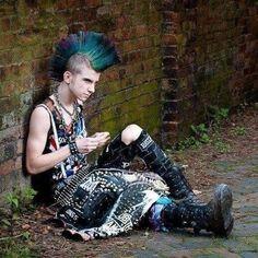 Punk Baby, Afro Punk Fashion, Grunge Fashion, Skinhead Fashion, Mens Fashion, Punk Mohawk, Deathrock Fashion, Estilo Punk Rock, Anarcho Punk