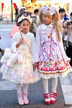 lolita+outfits | Harajuku Sweet Lolitas in Angelic Pretty Dresses & Hair Bows