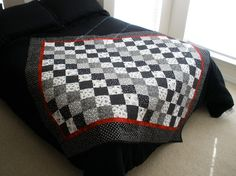 Black and White Lap Size Quilt  Magic Patch by LynnsCozyQuilts, $165.00