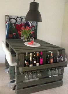 20 DIY Projects That Will Turn Old Pallets Into Unique Furniture These pallets ideas are full of creativity and are sure to get you passionate for DIY pallet furniture! Wood is selected for building furniture Wooden Pallet Projects, Wooden Pallet Furniture, Pallet Beds, Pallet Crafts, Unique Furniture, Diy Furniture, Diy Projects, Project Ideas, Bedroom Furniture