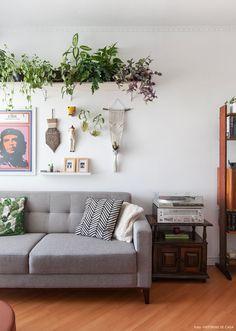 Um apartamento lindo com decoração inspiradora e várias ideias de faça você  mesmo 59c870a75fb11