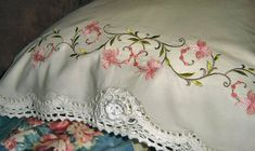 how to make pillowcases with lace added | How to Make Pillow Cases With Lace Embroidery | eHow.com