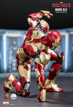 Hot Toys : Iron Man 3 - Mark XLII (Deluxe Version) 1/4th scale Collectible Figure Iron Man 3, First Iron Man, Hot Toys Iron Man, Iron Man Suit, Iron Man Armor, Hq Marvel, Marvel Comics, Cartoon Wallpaper Hd, Armor Concept