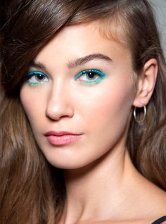 We're counting down spring's top makeup trends. Flashy lids, vibrant pout and glowing skin are on the radar at louloumagazine.com!