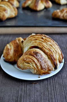 alright one of my goals for the year was to learn to make croissants. this blog makes it seem totally doable (notice i said doable, not easy!) i'm so pumped for my next saturday at home with no plans- i WILL make these!!