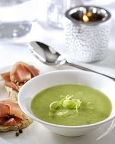Broccoli- & bosuitjessoepje en crostini met Parmaham en groene pepertjes - Solo.be !