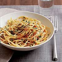 pre and post race recipes from Gordon Ramsay, Bobby Flay, including pasta and flat bread pizza simple specialties Chef Dishes, Main Dishes, Wine Recipes, Pasta Recipes, Bobby Flay Recipes, Runners Food, Clean Eating, Healthy Eating, Dinner Entrees