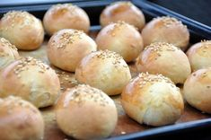 Small shuttles stuffed for stylish buffet Buffet Chic, Mini Hamburgers, French Cake, Cooking Chef, Bread And Pastries, Mini Foods, Healthy Eating Tips, Snacks, Canapes