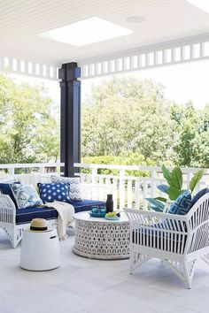 This outdoor deck space is giving us serious holiday vibes. The Hamptons-style p. This outdoor dec Best Outdoor Furniture, Rustic Furniture, Furniture Decor, Antique Furniture, Modern Furniture, Furniture Makeover, Furniture Design, Garden Furniture, Furniture Buyers