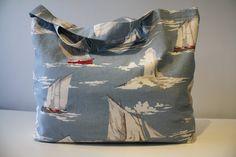 sac de plage, beach bag avec voiliers de la boutique AteliersTaffetas sur Etsy