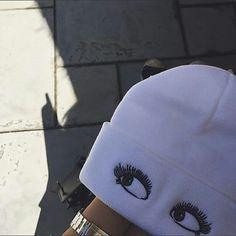 This Eyelash Beanie! Cute Beanies, Cute Hats, Types Of Hats, Bad Hair Day, Headgear, Beanie Hats, Beanie Outfit, Swagg, Cute Outfits