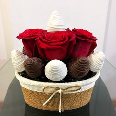 Valentine Deserts, Valentine Chocolate, Chocolate Art, Chocolate Covered Treats, Chocolate Dipped, Brownie Packaging, Adult Birthday Cakes, Blue Cakes, Edible Arrangements
