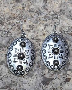 gifts under 20 dollars - Stocking Stuffer - Cindy Smith Silver-Plated Oval Pendant Earrings Tooled with an abstract geometric design, these silver-plated oval pendant earrings are punctuated with corrugated studs. #stockingstuffer #giftideas #christmasgiftideas Christmas gift idea under $20