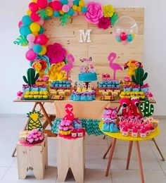 Este posibil ca imaginea să conţină: mâncareMoana birthday decorations and goody boxes by me, custom letters by cake by sweets by… Cumpleaños de Moana.Moana Themed Balloon Garland with Paper Flowers by Cake/Sweet Table styled by Flamingo Party, Flamingo Birthday, Luau Birthday, Birthday Parties, Balloon Garland, Balloon Decorations, Birthday Party Decorations, Aloha Party, Luau Party
