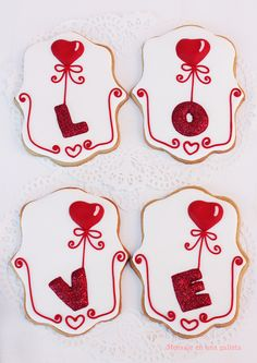 Balloons with love Iced Cookies, Cute Cookies, Cookies Et Biscuits, Cupcake Cookies, Sugar Cookies, Valentines Day Cakes, Valentine Cookies, Love Valentines, Sugar Cookie Royal Icing