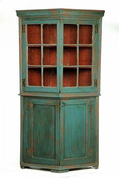 Lot 2242: TURKEY BREAST CORNER CUPBOARD. - Garth's Auctioneers & Appraisers | AuctionZip