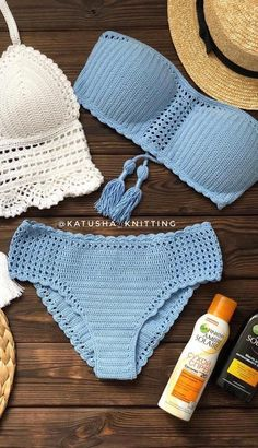 Motif Bikini Crochet, Bikinis Crochet, Crochet Crop Top, Crochet Blouse, Diy Crochet, Crochet Geek, Crochet Summer Tops, Crochet Videos, Crochet Fashion