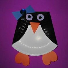 penguin craft- Trapped inside with cold weather? Make this easy paper plate penguin to keep the kids entertained.