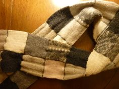 gift ideas for men: scarf out of old wool sweaters
