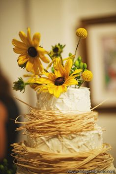 Rustic Wedding Cake Topper - Raffia Cake - Buttercream Icing - Rustic Wedding - Chic - Woodsy Theme Wedding - Mason Jars - Yellow Flowers - Knoxville TN Casual Wedding Ideas - Florist Knoxville TN - www.lisafosterdesign.com