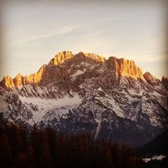 Sunset. Monte Civetta seen from the remote village of Ronche.  Few mountains are so beautiful. . -Today alone- . . . . . #sunset #dolomiti #dolomiten #dolomites #dolomities #whataview #alps #mountains #mountain #landscaping #landscape_captures #outdoor #agordino #goodvibes #montecivetta #snow #sun #naturelovers #landscapelovers #nature #naturephotography #neverstopexploring #outdoor #getoutside #wilderness #wonderful_places #landscape #exploreeverything #landscapes #naturaleza [22/11/2017]