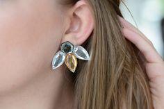 Manche Outfits verlangen nach einem Statement-Piece. Sei es nun ein goldener Haarschmuck, eine raffinierte Perlenkette oder eben ein auffälliger Ohrring aus Schmucksteinen. Große Ohrringe sind schon seit langer Zeit Trend und dementsprechend lange liegt dieses DIY auch schon bei uns rum. Im wahrsten Sinne des Wortes, denn ein Ohrring istweiterlesen …