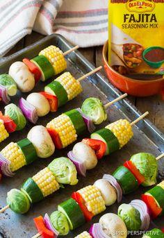 How To Grilled Fajita Vegetable Skewers ASpicyPerspective Grilled Vegetable Kabobs, Veggie Skewers, Grilled Vegetables, Grilled Skewers, Kebabs, Bbq Skewers, Shish Kabobs, How To Grill Kabobs, Vegtable Kabobs
