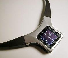 Nokia-Medallion-1-Rare-Unisex-Lcd-Necklace-Bluetooth-IR-Collection-NIB