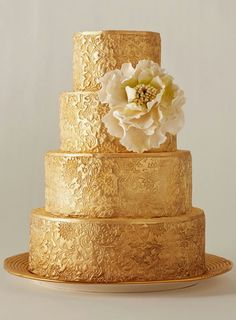 beauty and the beast wedding theme----gorgeous wedding cake for Belle!!