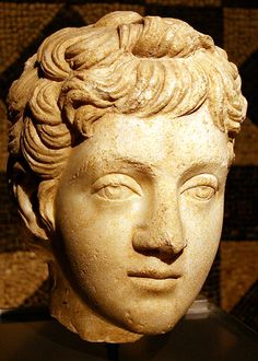 A young Commodus, Roman bust (marble), 2nd century AD, (Römisch-Germanisches Museum, Cologne).