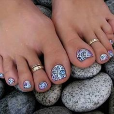 Fun Summer Pedicure Ideas to Make Your Feet Stand out ... → Nails