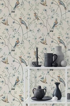 A classic pattern of interwoven branches and exotic birds in wonderful harmony, this version on a light background will give the room its own dynamic. Classic Wallpaper, Kitchen Wallpaper, Wallpaper Size, Animal Wallpaper, Flower Wallpaper, Wall Wallpaper, Pattern Wallpaper, Sandberg Wallpaper, Botanical Wallpaper
