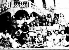 Grupo de estudiantes de la Escuela Santa Cecilia,1941. De las Fanfarrias a Salas de Concierto.
