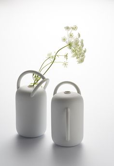 Vases Jeux d'anses, Jeanne Bonnefoy-Mercuriali (TH Manufacture)