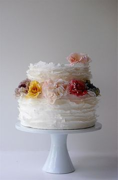 Sweet flowers on this beautiful cake