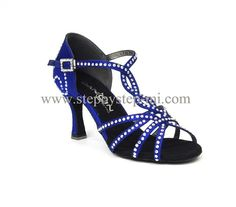 sandalo in raso blu ecorato con strass, suola in bufalo, tacco 75 e 100 #stepbystep #ballo #salsa #tango #kizomba #bachata #scarpedaballo #danceshoes #cute  #fashion #shopping #shoppingonline #glamour  #shoe #style #instagood #instashoes #sandals #sandali #strass #rhinestone #instaheels #stepbystepshoes #cute #salsaon2 #blu #bachatasensual  #satin