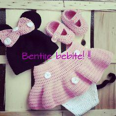 Crochet Minnie Mouse Baby Girls, Minnie Mouse, Crochet Hats, Fashion, Knitting Hats, Moda, Fashion Styles, Little Girls, Toddler Girls